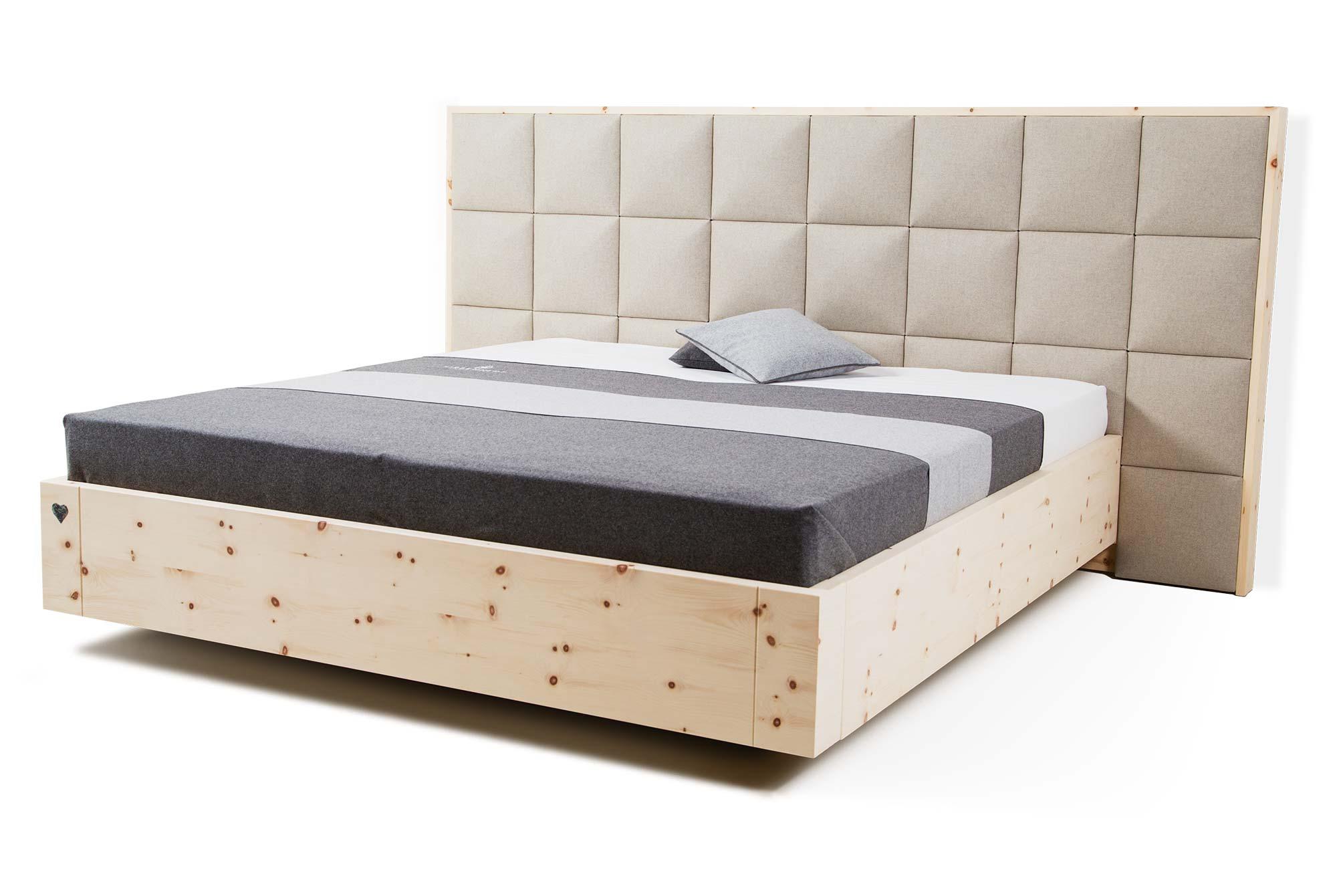 Zirbenbett - Ideal für den gesunden Schlaf ; Copyright: https://www.zirbenherz-bett.com